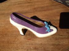 COLLECTABLE MINI SHOE LOVELY DETAILED COURT DESIGN HANDPAINTED WHITE PURPLE